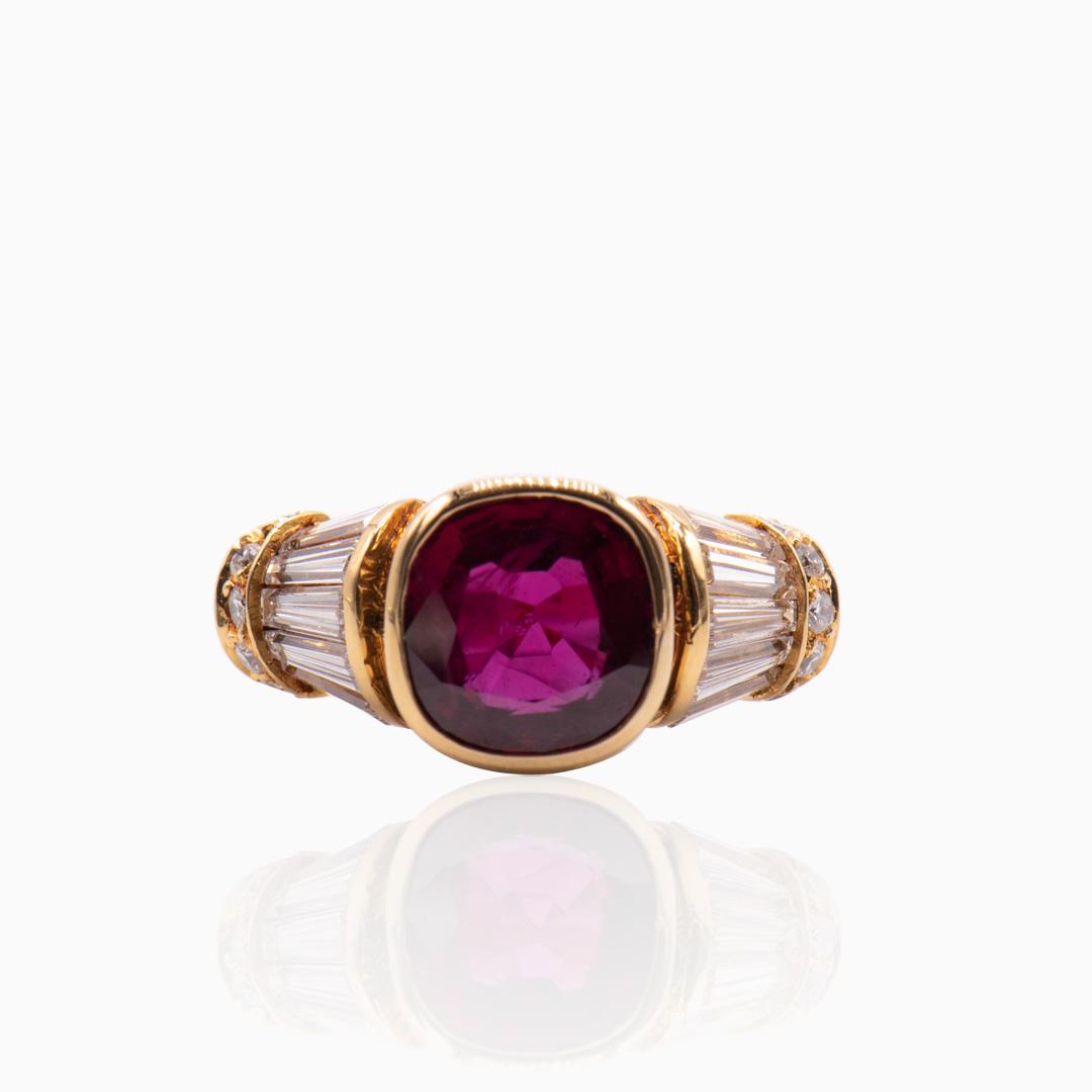 Anillo de Oro Rubí y Diamantes