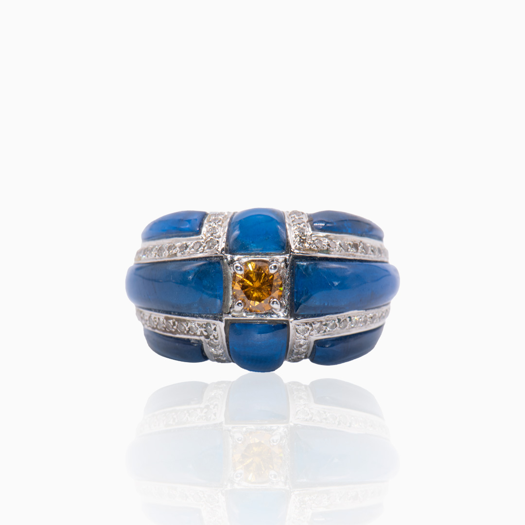 Anillo de Oro Blanco Topacio Cuarzo Azul y Diamantes