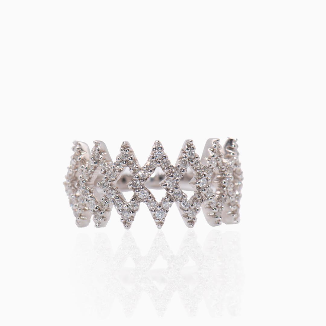 Anillo Oro Blanco y Diamantes en forma de Rombos