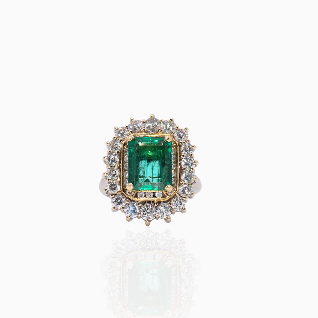Anillo Oro Blanco Esmeralda y Diamantes
