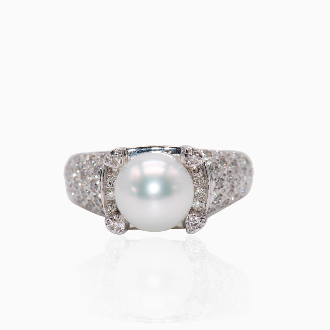 Anillo Oro Blanco Perla Australiana y Diamantes