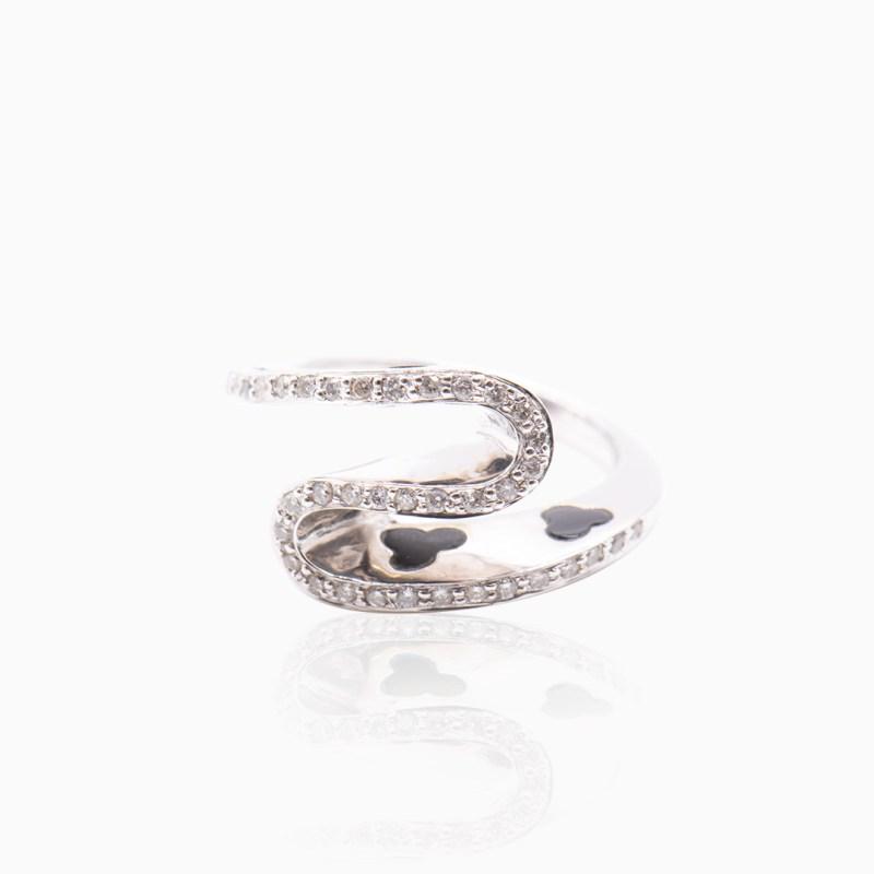 Anillo Oro Blanco con Diamantes y Esmalte