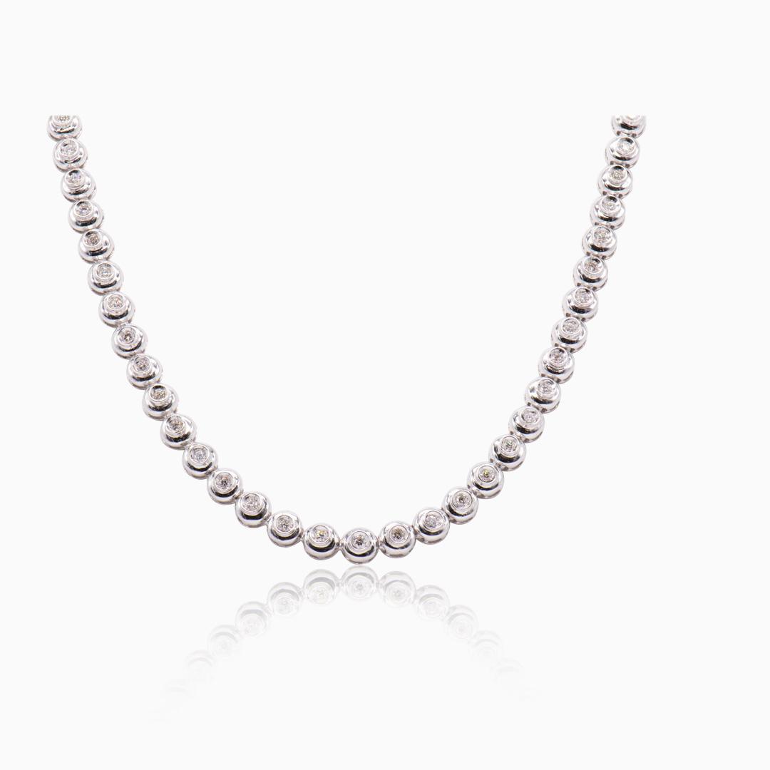 Collar Oro Blanco y Diamantes en Chatón