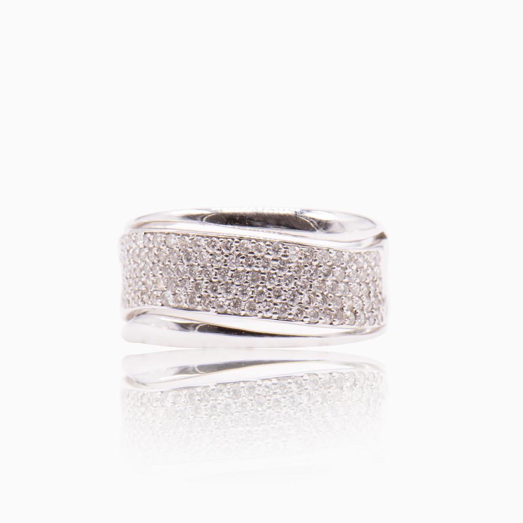 Anillo Oro Blanco y Diamantes tipo Cinta