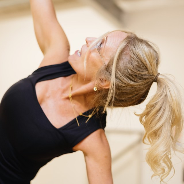 reformer pilates henley on thames nubodi pilates group classes stretch carine