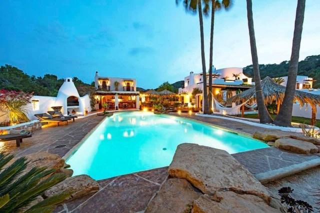 luxury reformer pilates retreat holiday ibiza nubodi pilates can verru luxury villa 5