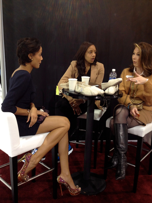 Top 12 things fashion bloggers do at magic trade show for Pool trade show magic