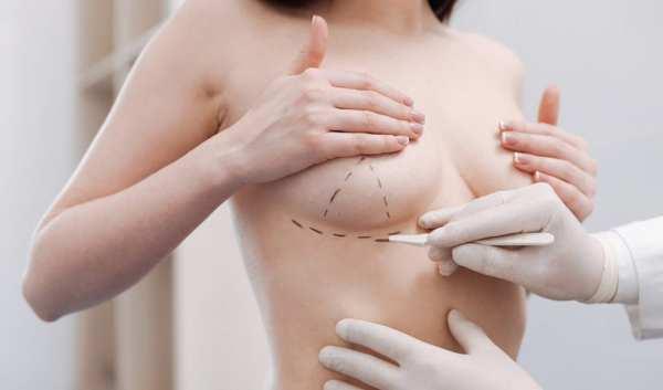 Ραγδαία ήταν η αύξηση των ασθενειών που σχετίζονται με τα εμφυτεύματα στήθους μέσα στο 2019 σύμφωνα με τον Αμερικάνικο Οργανισμό Τροφίμων και Φαρμάκων (FDA).