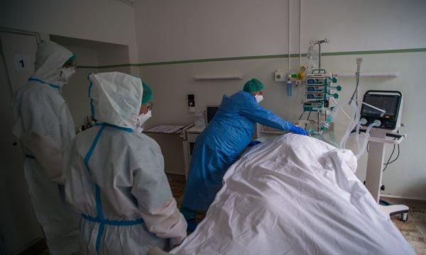 Καταγγελίες σοκ γιατρών: Ασθενείς πεθαίνουν περιμένοντας για ΜΕΘ -Αναφορά στην εισαγγελία
