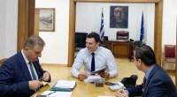 Ο Υπουργός Υγείας Βασίλης Κικίλιας , ο Πρόεδρος του Πανελληνίου Ιατρικού Συλλόγου Αθανάσιος Εξαδάκτυλος και ο Γενικός Γραμματέας Γεώργιος Ελευθερίου.
