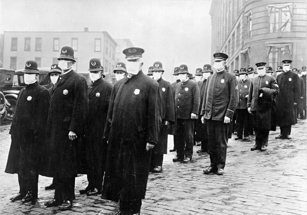 Γρίππη 1918 - Αστυνομικοί με μάσκες