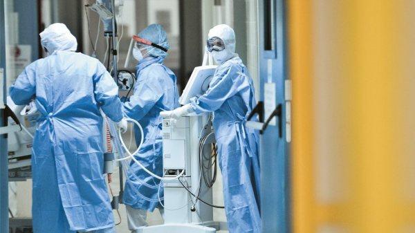 Νέα βρετανική μελέτη υπέδειξε τους εργαζόμενους που κινδυνεύουν να νοσήσουν βαριά από COVID-19, διαπιστώνοντας έως και επτά φορές περισσότερες πιθανότητες νόσου για όσους απασχολούνται στον νευραλγικής σημασίας τομέα της υγείας.