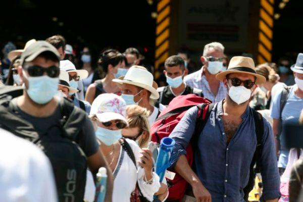 Νέο σχέδιο για τους ανεμβολίαστους φέρνει η κυβέρνηση – Τα επικρατέστερα σενάρια