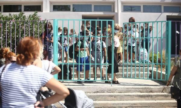 «Καμπανάκι» από τον ΕΟΔΥ, αύξηση κρουσμάτων 21% στους μαθητές σε μία εβδομάδα