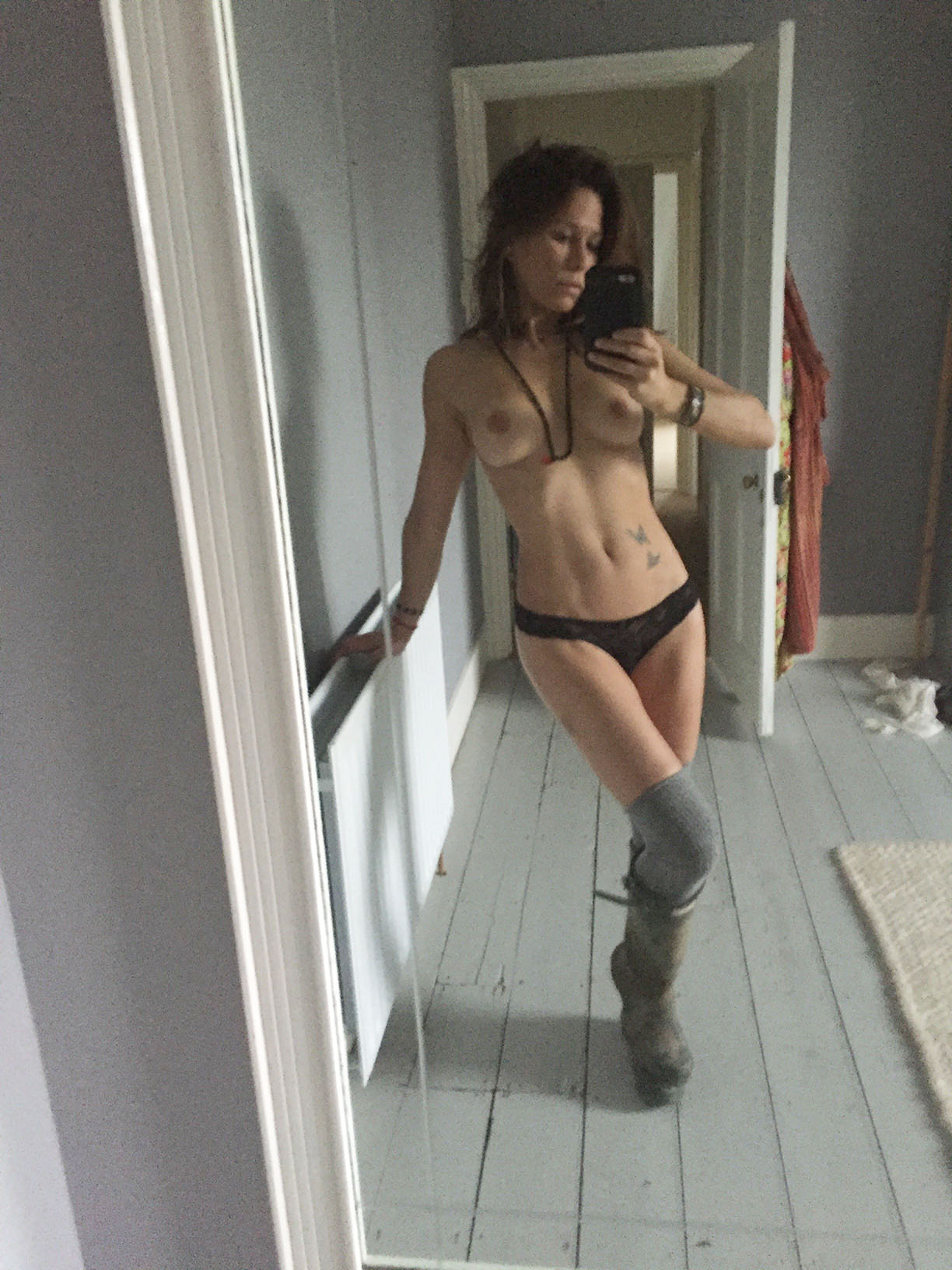 Rhona mitra tits
