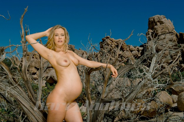 Actress Kristanna Loken pregnant photos leaked The Fappening