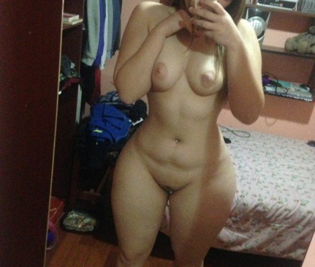 Supa Thick Babe Nude Slefie