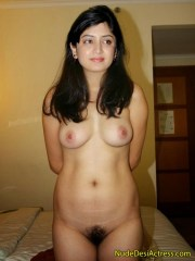 Actress Poonam Kaur Caught Nude
