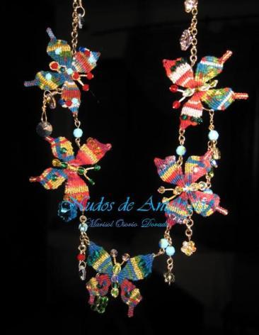 collar de mariposas