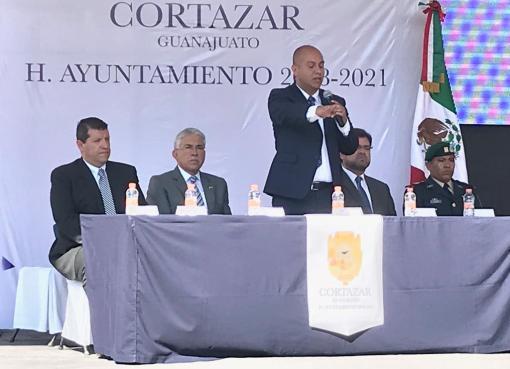 Ratifican a miembros del cabildo de Cortazar.