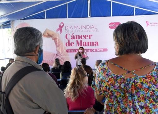 Instalan Feria de la Salud en Plazuela Miguel Hidalgo en Irapuato.