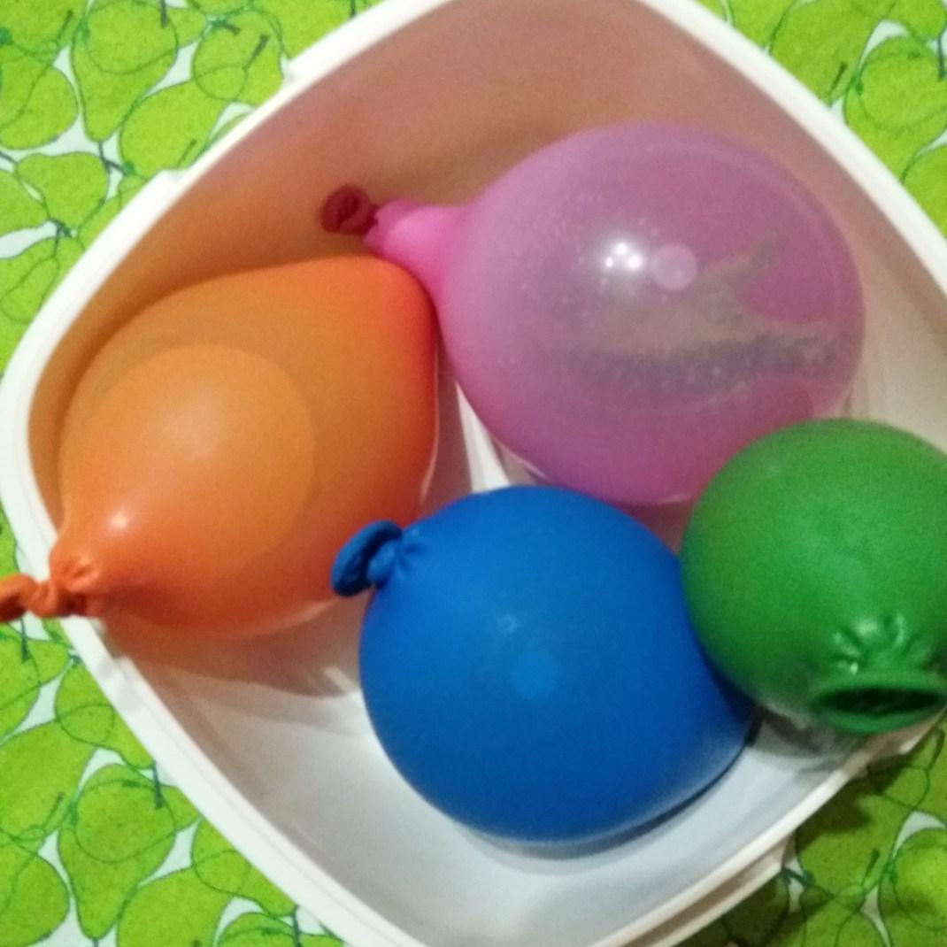 globos con dinosaurios