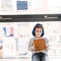El uso de pantallas y Montessori - después de los 6 años