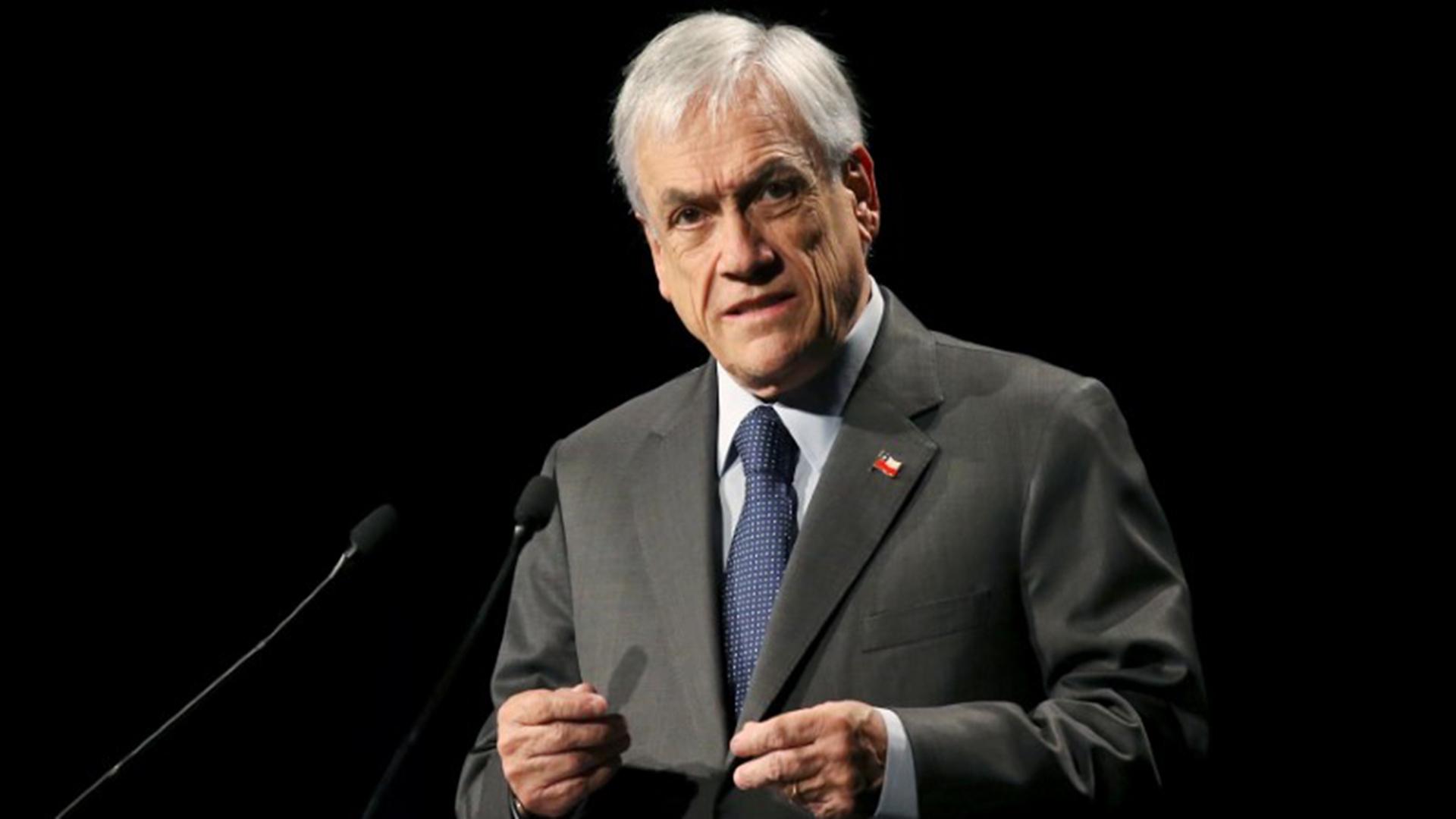 Aprobación de Piñera cae 10 puntos y alcanza su nivel más bajo desde iniciada la pandemia