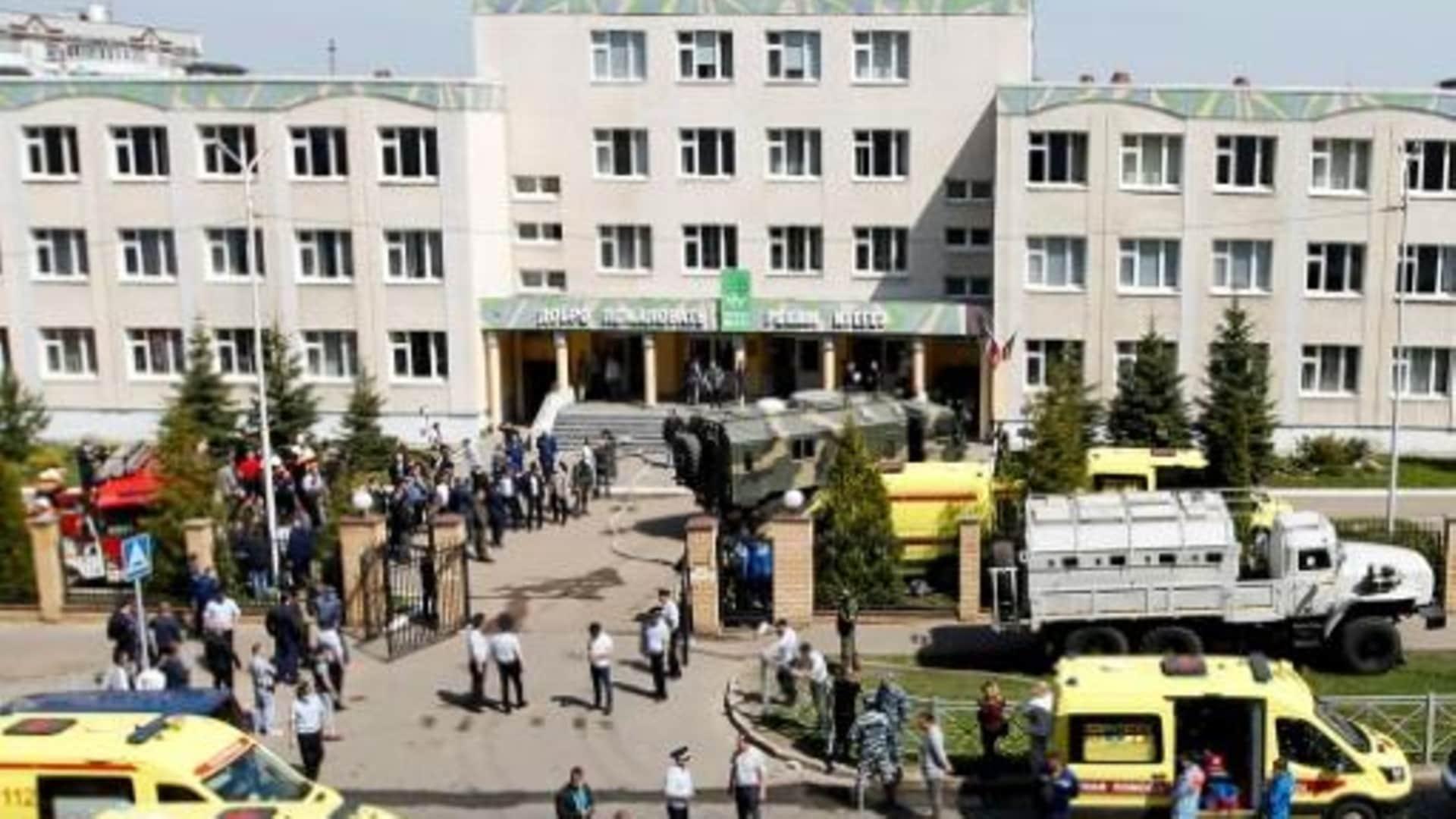Rusia: tiroteo en una escuela deja al menos 9 muertos
