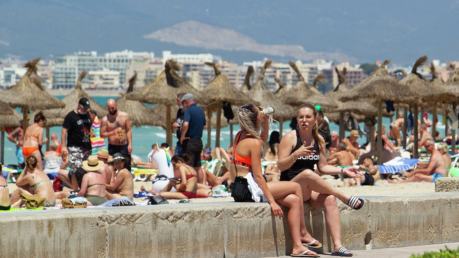 Megabrote en España por fiestas de egresados y cruceros en Mallorca