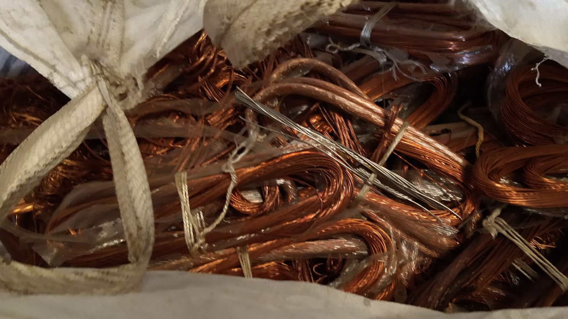Cables robados: operativo por robo y venta de cobre
