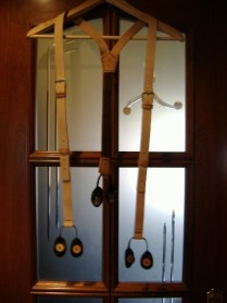 Tirantes artesanales en cuero regulables por hebillas
