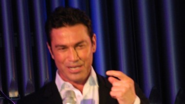 "Mario Frangoulis, sang at the New York Presbyterian Church in Astoria for Floga"" and ""To Hamogelo Tou Paidiou"""