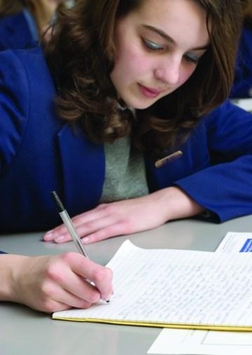 Estudiante aplicando por beca