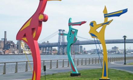 Escultura 'Bailarines del viento' en East River