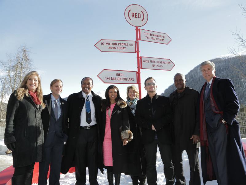 U2 lanza en Super Bowl campaña contra el SIDA
