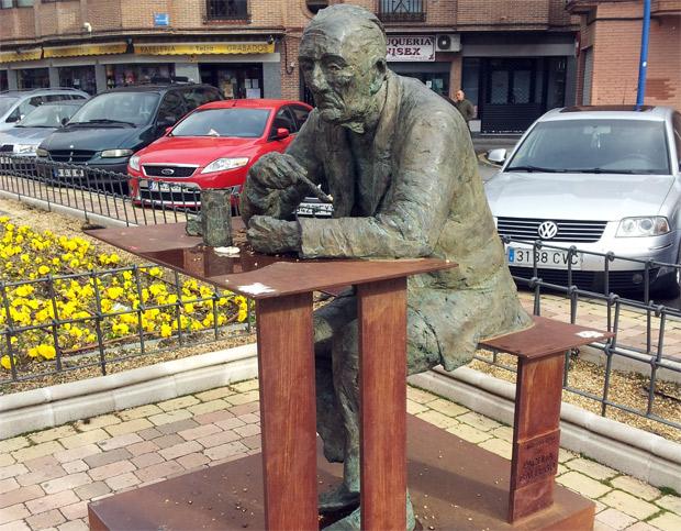 escultura-homenaje