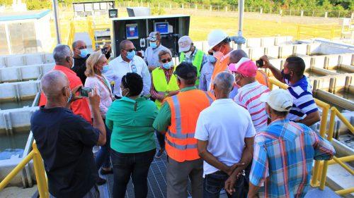 Comunitarios de Santiago Oeste manifiestan alegría por acueducto Cienfuegos