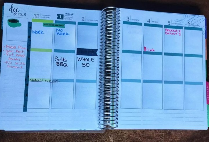 Maximize your family's organization with the Erin Condren Life Planner. Get ideas on how to setup your life planner with easy layouts and best practices. I've used this binder to organize our calendar and track my goals for the last four years, and it works! #goals #planner #organization