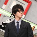 横浜流星,黒髪,めがね,スーツ