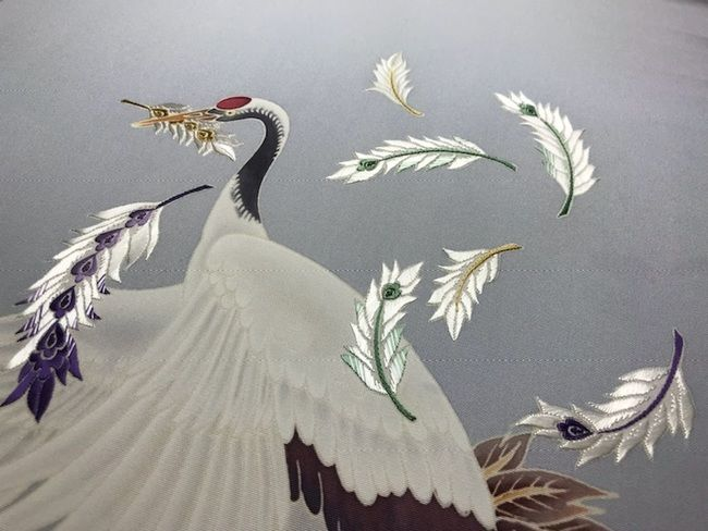 鶴の加賀友禅名古屋帯に加賀繍のあしらい・お太鼓部分のあしらいの完成
