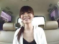 さくら子 綺麗なお姉さんが車中でオナニー、ローターをマンコに突っ込み白濁愛液がトロ...