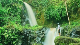 Berwisata ke Air Terjun Pengibul Bangli Bersama Omocars Bali - Air Terjun Pengibul