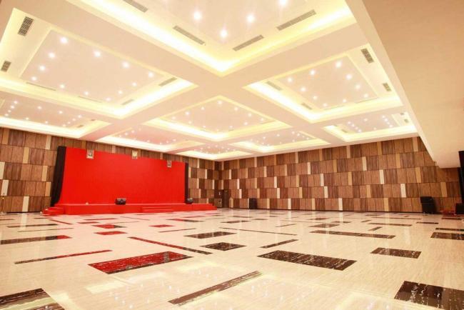 Ballroom Hotel Grand Karlita