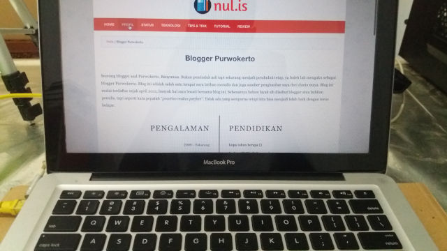 Blogger Purwokerto Macbook Pro
