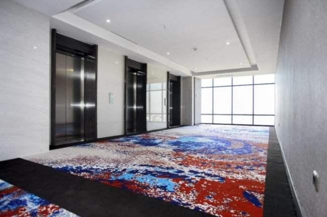 Lobi dan Lift Hotel Grand Karlita