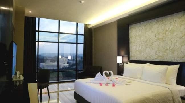 Review Hotel Grand Karlita Purwokerto - Kamar Deluxe King Grand Karlita