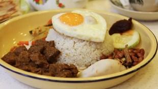 7 Kuliner Indonesia yang Mendunia - nasi rendang