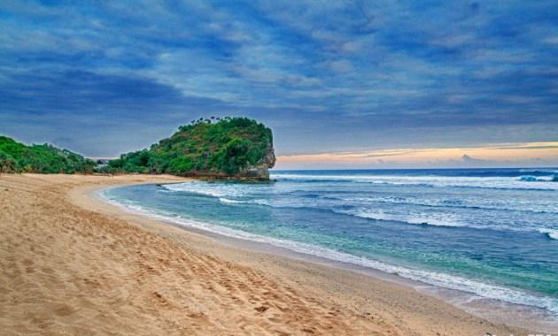 Pantai Terindah di Gunungkidul Yogyakarta Terpopuler untuk Wisata Keluarga - pantai indrayanti