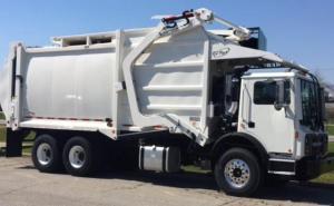 Mack MRU 613 wiyj EZPack FrontLoader Garbage Truck Body